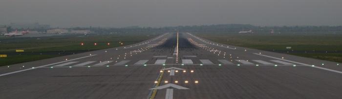 © Ariel Shocrón runway excursion